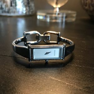 Authentic Gucci 1500L Stainless Steel Ladies Watch for sale